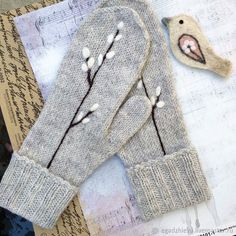 Path to your charm Crochet Mittens, Knitted Gloves, Knit Crochet, Hand Embroidery Art, Embroidery Designs, Recycled Sweaters, Crochet Winter, Embroidered Clothes, Knitting Accessories