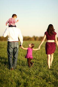 portrait de famille de dos