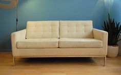 ODILE, sofa Florence Knoll. Vevey, Florence Knoll, Divan Sofa, Lounge Sofa, Vintage Design, Dimensions, Sofas, Love Seat, Couch