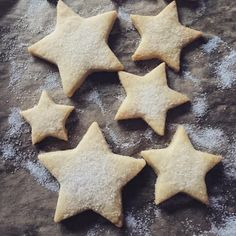 Lemon and vanilla star shortbread with just a dusting of sugar to decorate...for the star in your life xxx