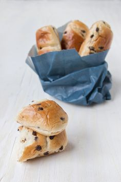 Milk bread with chocolate chips - Healthy Food Mom Pain Au Lait Recipe, Gourmet Recipes, Sweet Recipes, Healthy Snacks, Healthy Recipes, Restaurant Recipes, Easy Cooking, Food Print, Breakfast Recipes