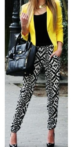 Yellow blazer and tribal print pants - street style. - Total Street Style Looks And Fashion Outfit Ideas Mode Outfits, Chic Outfits, Summer Outfits, Girl Outfits, Fashion Outfits, Outfits Mujer, Fashion Mode, Work Fashion, Womens Fashion