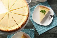 Jaké nabízí Dukanova dieta recepty pro 1. fázi a pro 2.fázi režimu? Vyzkoušejte skvělý cheesecake, smetanovou pórkovou polévku a dva druhy domácího pečiva. Nutella, French Dessert Recipes, Bon Dessert, Camembert Cheese, Dairy, Tofu, Pudding, Sugar, Bread