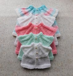 Simple stylish knitting & crochet patterns from a popular independent designer. Baby Cardigan Knitting Pattern Free, Baby Hats Knitting, Baby Knitting Patterns, Baby Patterns, Knitting Stiches, Crochet Patterns, Preemie Clothes, Baby Doll Clothes, Doll Clothes Patterns