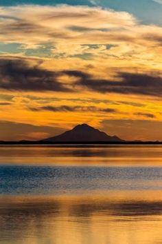 Photographic Print: Mt Redoubt Volcano at Skilak Lake, Alaska, the Aleutian Mountain Range : 24x16in