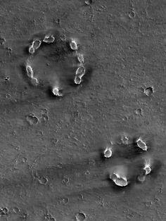 """Possible """"mud volcanoes"""" on Mars, image via HiRISE"""