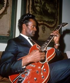 Chuck Berry - Reelin and Rockin' Promised Land Thirty Days School Day Rock And Roll, Soul Music, Music Is Life, Instrumental, Charles Edward, Music Rock, Thing 1, Rock Legends, Blues Rock