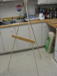 Simple and Cheap Art Stand/Easel