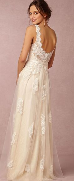 Vintage inspired wedding gown by BHLDN http://www.theperfectpalette.com/2015/03/shop-look-wedding-pretties-by-bhldn.html