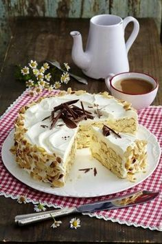 Our popular recipe for Malakoff cake and more than 55000 other free recipes at LECKER. The post Malakoff cake appeared first on Dessert Factory. Vegan Whipped Cream, Homemade Whipped Cream, Recipes With Whipping Cream, Cream Recipes, Torte Au Chocolat, Baking Recipes, Cake Recipes, Chocolates Gourmet, Dessert Oreo