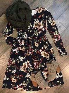 Absolutely love this outfit! Perfect for winter❤️ Modest Dresses, Modest Outfits, Modest Fashion, Cute Dresses, Casual Outfits, Cute Outfits, Fashion Outfits, Womens Fashion, Fashion News
