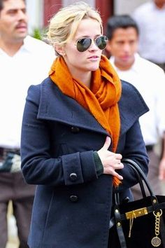 Reese Witherspoon in Love Quotes Scarf || CROCUS || #CROCUSstyle