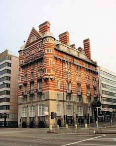 Streaky bacon building. Where they announced the titanic survivors 1912