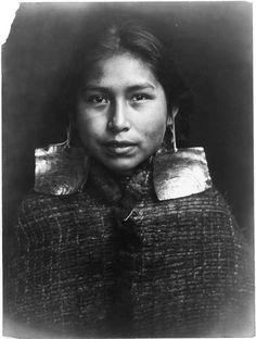 Tsawatenok Girl,1914. Edward Sheriff Curtis Photography.