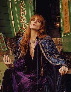 After wearing Gucci in photoshoots and on the red carpet, Florence Welch lands her first campaign for the Italian fashion brand. The Florence and the Machine… Gucci Jewelry, Jewelry Ads, Jewellery Photo, Latest Jewellery, Gucci Spring, Florence The Machines, Thing 1, Look Plus, Italian Fashion