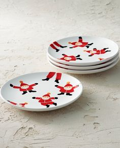 Charming handpainted Santas on white stoneware add a festive layer for entertaining or everyday meals. The dishwasher- and microwave-safe design of the Santa Side Plates is simple enough to complement many other seasonal tableware patterns, including holly leaves, snowflakes and plaid. Holly Leaf, Side Plates, Dinnerware, Stoneware, Snowflakes, Microwave, Dishwasher, Festive, How To Memorize Things