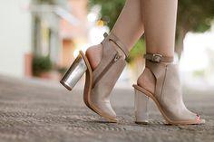 Lulu's nude sandals