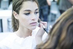 """Keep your make-up simple, avoiding excess."" #BehindTheScenes from the #AtelierPronovias2016 Fashion Show --> http://www.pronovias.com/atelierbackstage/2015/06/get-make-right-wedding-day/"