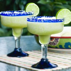 Keep it simple with my six ingredient low-calorie sassy skinny margarita! This tasty cocktail is a snap to make, low in sugar, and tastes amazing.