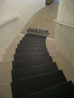 black rug on stairs: tromp l'oeil it?