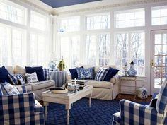 А утепленная веранда, пристроенная к дому, даст вам возможность отдыхать...