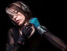 Imogen Heap Introduces Mi.Mu Gloves, Wearable Technology for Musicians - CraveOnline