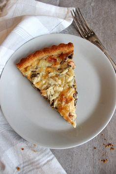 Wicked sweet kitchen: Pekoni-suppilovahveropiirakka Wicked, Dinner Recipes, Pizza, Cheese, Sweet, Kitchen, Food, Candy, Cooking