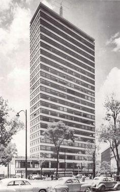 Edificio de oficinas de la Aseguradora Alianza, Torre Anáhuac,  Paseo de la Reforma 51, Col. Tabacalera, Cuauhtémoc,  México DF 1958  Arq. Juan Sordo Madaleno -   Torre Anahuac, Paseo de la Reforma, Mexico City 1958