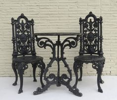 American Cast Iron Garden Table and Two Chairs To be able to have a great Modern Garden Decoration, it's beneficial … Gothic House, Victorian Gothic, Victorian Homes, Gothic Mansion, Gothic Castle, Gothic Furniture, Garden Furniture, Retro Furniture, Cheap Furniture