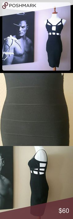 Bandage dress Stretch, fitted keeps tummy tucked in....very sexy! Comes above the knees. Back zipper Dresses
