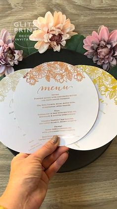 Rose Gold, Gold or Silver Foil Round Wedding Menu. The ultimate accent for your event, these menus will be sure to wow your guests whether it be for a Wedding, Christening, Baptism or Corporate Event. Wedding Menu Cards, Card Box Wedding, Wedding Stationary, Wedding Invitations, Table Wedding, Invites, Wedding Catering, Wedding Events, Weddings