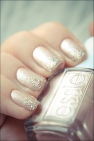 glitter ombre gradient glitter manicure over pale pink nail polish #Cake