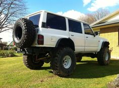 GQ Patrol with 8 inch lift running 38s