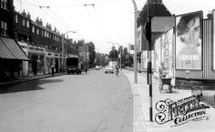 Brentford High Street 1960 Brentford, West London, Billboard, Google Images, Childhood Memories, Nostalgia, The Past, Street View, Photos