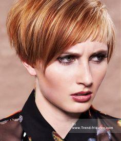 KÖPFE IN DER WOLKE Kurze Blonde weiblich Gerade Farbige Multi-tonalen Definierte-Fransen Damen Haarschnitt Frisuren hairstyles