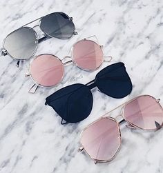 maquillaje images, image search, & inspiration to browse every day. Stylish Sunglasses, Sunglasses Accessories, Cat Eye Sunglasses, Round Sunglasses, Sunglasses Women, Fashion Accessories, Trendy Accessories, Glasses Trends, Lunette Style