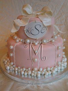 Wow! So elegant...edible pearls I want edible frickn PEARLS!!!!!