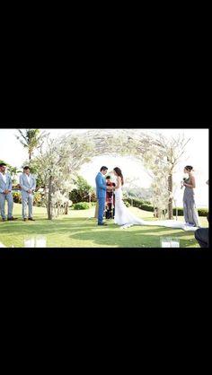 The arch @ jodi Gordon's wedding...Divine