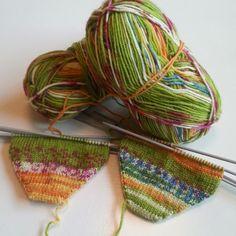 En bok om dagen...: Stickeri och stickera, jag kan också sticka bra! Knitting.