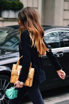 17 Inspiring Long Hairstyles // Long dark ombre hair #streetstyle #style #fashion
