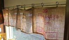 Make your very own DIY – No Sew Burlap Curtains! Yep, you! Here's how. Believe it or not, I've been making great use of the burlap sacks I found a few months ago. It seems like my creative juices are flowing and I keep finding very simple, but useful ideas for them. For now, I'm …