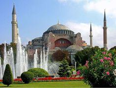 Istanbul: Hagia Sophia (c) flickr/Dennis Jarvis