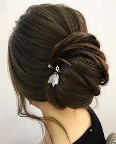 This chic french twist updo wedding hairstyle perfect for any wedding venue - This stunning wedding hairstyle long hair is perfect for wedding day,hairstyle