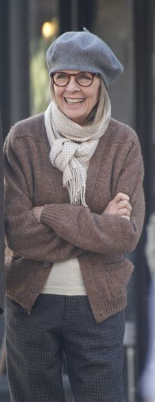 56 ideas fashion style women over 60 diane keaton Mature Fashion, Fashion Over 50, Look Fashion, Womens Fashion, Older Women Fashion, Trendy Fashion, Looks Chic, Looks Style, Style Me