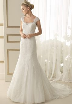 Elegant Mermaid Lace Floor Length Queen Anne Wedding Dress With Buttons - Lunadress.co.uk