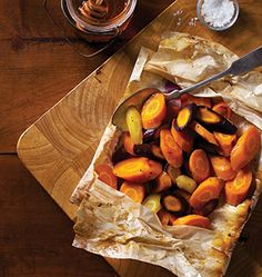 Cooking in parchment paper is a classic French technique that not only seals in moisture and flavor, it is healthy because you don't need to use as much oil or fat—if any! | #OrganicSpaMagazine