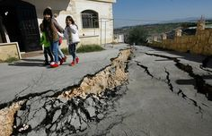 Mysterious Earth #fissures frighten residents of #Bissarieh #Lebanon