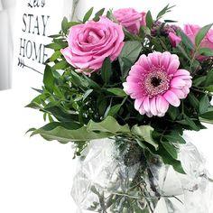 Time to celebrate my birthday with my friends! I hope you all enjoy your Saturday!  ~🌟🌟🌟~  Nyt on aika juhlia syntymäpäiväni ystävien kanssa. Toivon kaikille hienoa lauantaita!    #flowers #bouquet #roses #gerbera #kukkia #kukkakimppu #ruusu #ruusuja #cimlainterior #suomisisustaa #lauantai #syntymäpäivä #juhlat #sisustus #sisustaminen #interior #inredning #interiordesign #decor #homedecor #homestyling #scandinaviandesign #koti #homesweethome Koti, Gerbera, Floral Wreath, Wreaths, Photo And Video, Interior, Instagram, Home Decor, Floral Crown