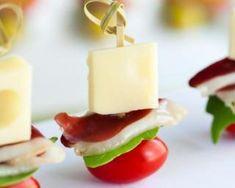 Mini-brochettes tomate, comté et magret de canard : http://www.fourchette-et-bikini.fr/recettes/recettes-minceur/mini-brochettes-tomate-comte-et-magret-de-canard.html