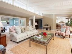 The Living Room With Its Clerestory Windows Garth Brooks And Trisha Yearwoods 75 Million